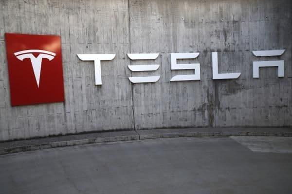 2 Big 2 Short : Tesla VS Burry