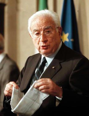 Etonnantes déclarations de l'ancien président italien Cossiga au sujet du 11 septembre 2001