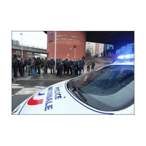 7 policiers condamn s de la prison ferme bobigny for Chambre 13 tribunal bobigny