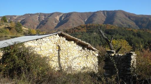 Hameau provençal abandonné