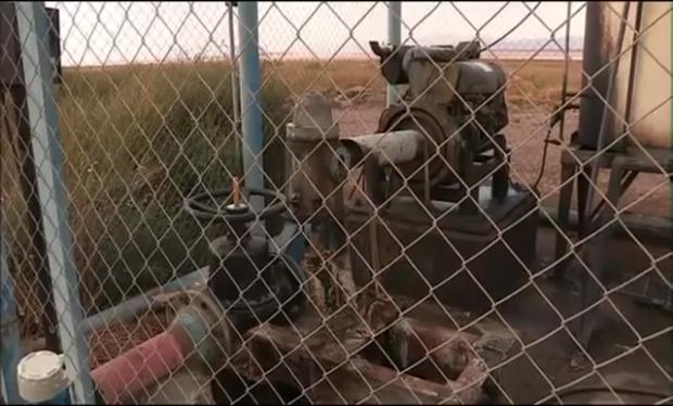 puits de pompage et d'extraction de la saumure pour extraire le lithium pour les batteries des voitures électriques